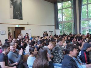 Publikum der Podiumsdiskussion